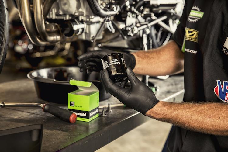 Gardez toujours un espace de travail professionnel et propre pour votre Kawasaki.
