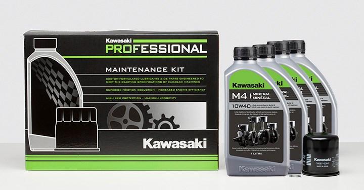 Kit de vidange d'huile pratique de Kawasaki. Disponible pour la plupart des véhicules Kawasaki.